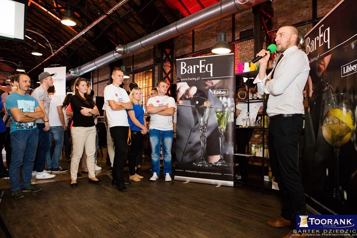 Stoisko firmy Bareq podczas Mistrzostw Polski Barmanów Miodula 2015. Warsztaty poszczególnych firm