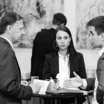 Rozmowy kuluarowe podczas konferencji