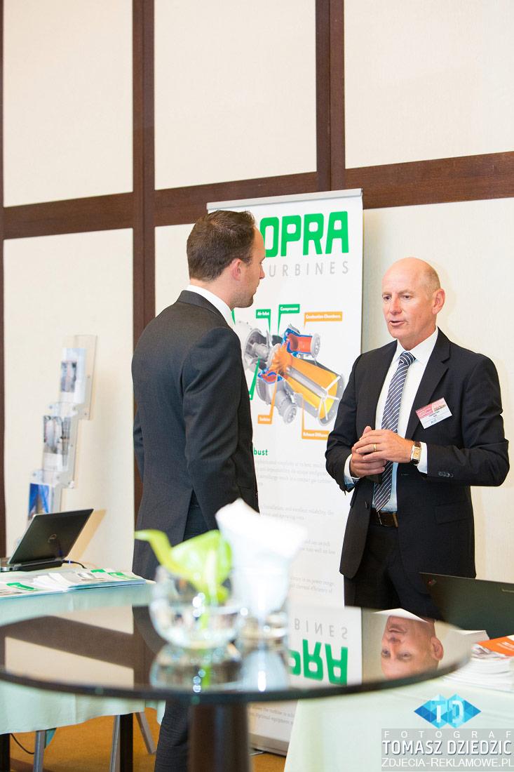 Rozmowy prowadzone podczas konferencji Warszawa