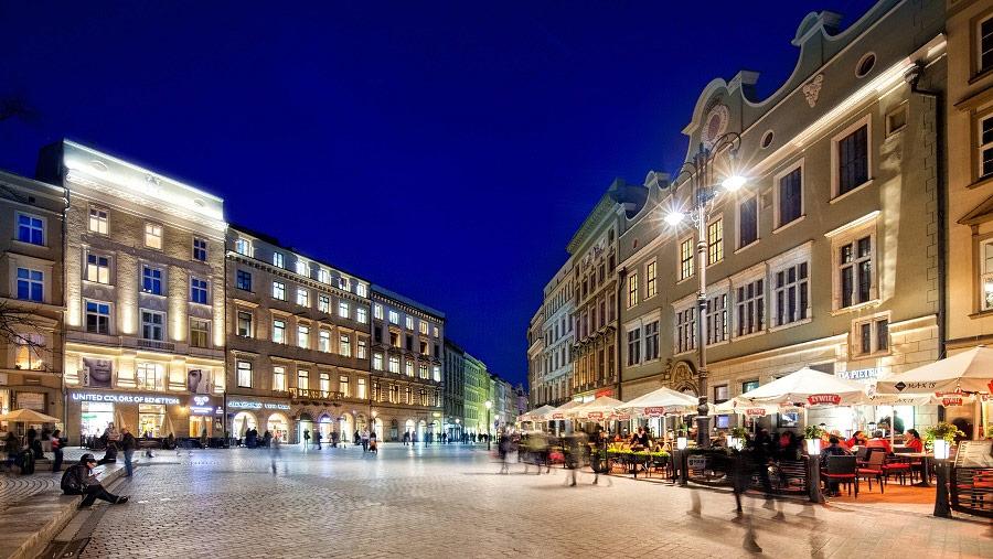 Rynek Nocą Event Firmowy. Fotograf Kraków.