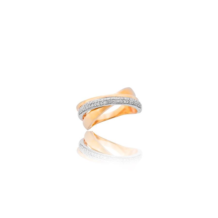 Przeplatany pierścionek ze złota, z diamentami. Fotografia produktowa Kraków