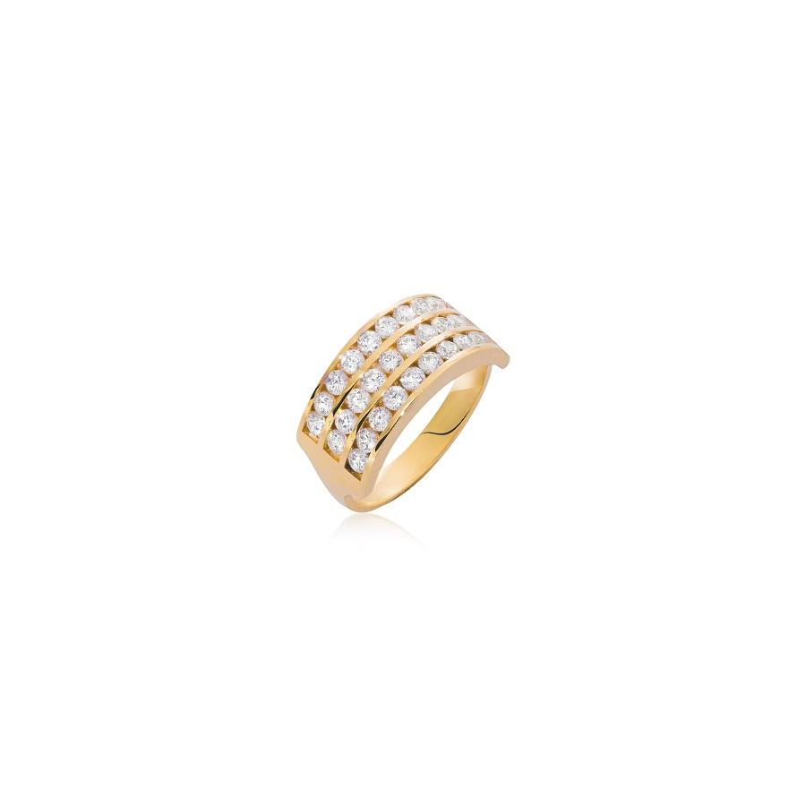 Zdjęcie złotego pierścionka z diamentami. Fotografia produktowa Kraków