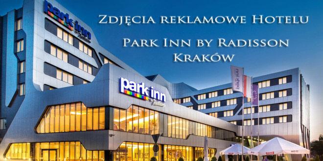 Fotografia reklamowa hoteli Kraków. Hotel Park inn by Radisson. Zdjęcie z zewnątrz wykonane przy zachodzie słońca. Wdiok na hotel od strony Centrum kongresowego ICE.
