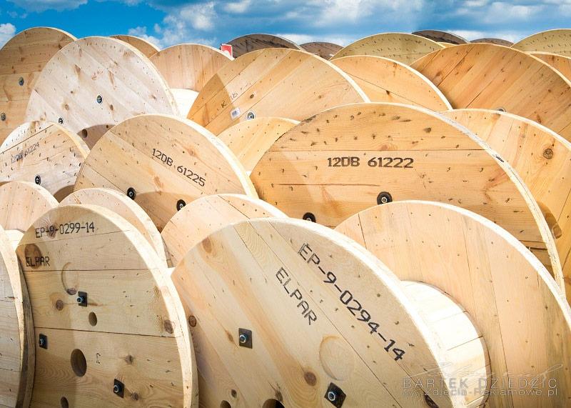 Bębny drewniane, kablowe, zdjęcie reklamowe